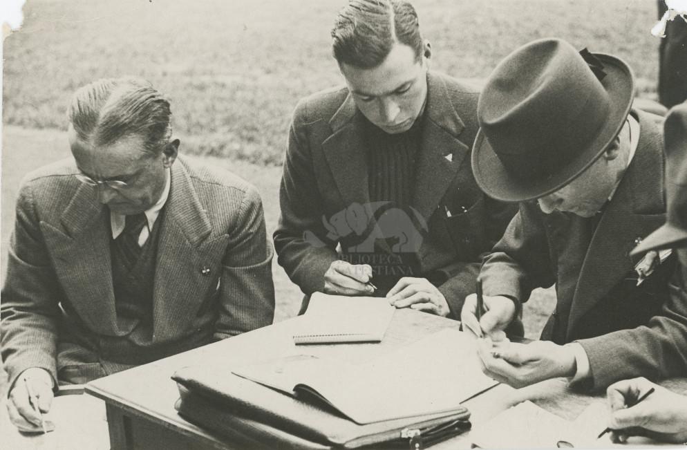 Durante il record dell'ora di Scapini: Milano Velodromo Vigorelli 1930. Foto Bruni