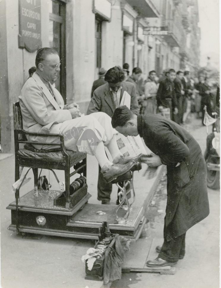 Dal lustrascarpe. Napoli, Giro d'Italia 1936