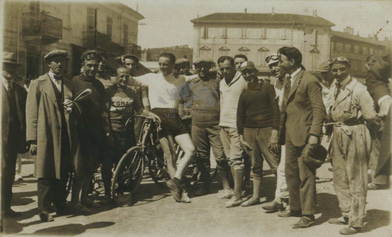 Giuseppe Ambrosini ciclista nel 1911