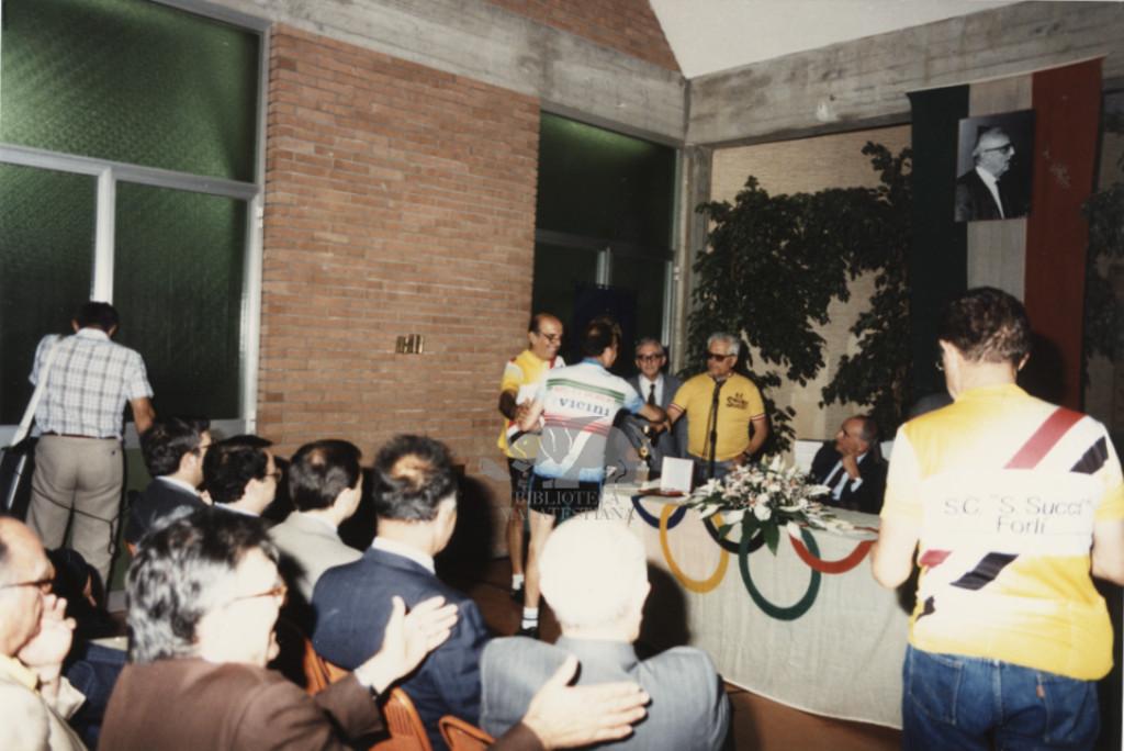 Il Liceo Ginnasio Sportivo di Forlì intitolato ad Ambrosini. 17 giugno 1990