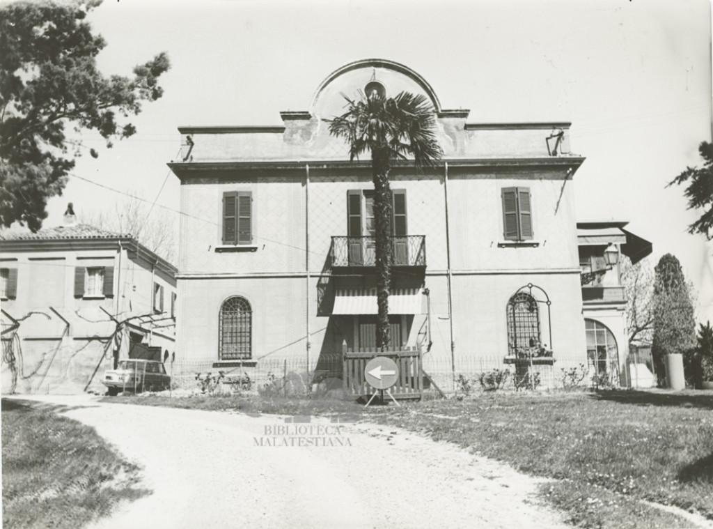 La sua villa a Massa di Settecrociari di Cesena, 10 aprile 1969. Foto G. Palmas